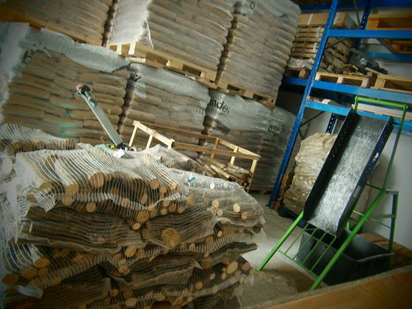 Imballamento e preparazione legna da ardere