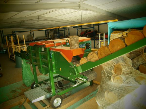Macchinario per lavorazione legna